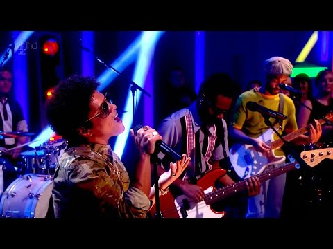 Bruno Mars - Young Girls (Alan Carr's New Year Specstacular 12/31/2012)