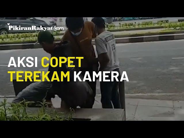 Viral, Video saat Komplotan Copet Beraksi di Area Alun-alun Kota Bandung Tertangkap oleh Kamera