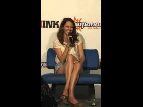 Amy Acker 2016 Gold Coast Supanova Excerpts Youtube