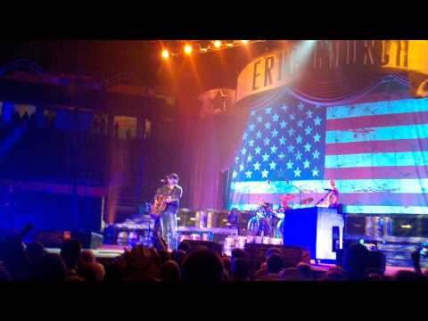 Eric Church - Springsteen, live @ Knoxville. Blood, Sweat, and Beers tour