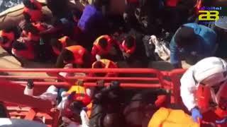 Trasladan al puerto de Almería a 57 migrantes de una patera localizada en el mar de Alborán