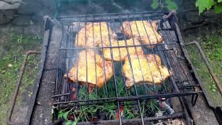 Готовим свиные стейки на мангале.