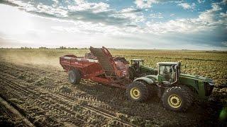 John Deere R8360 with Spudnik Crop Cart, 35 Tons