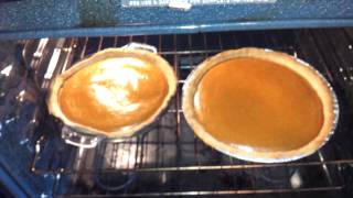 How to know when a pumpkin pie is done?