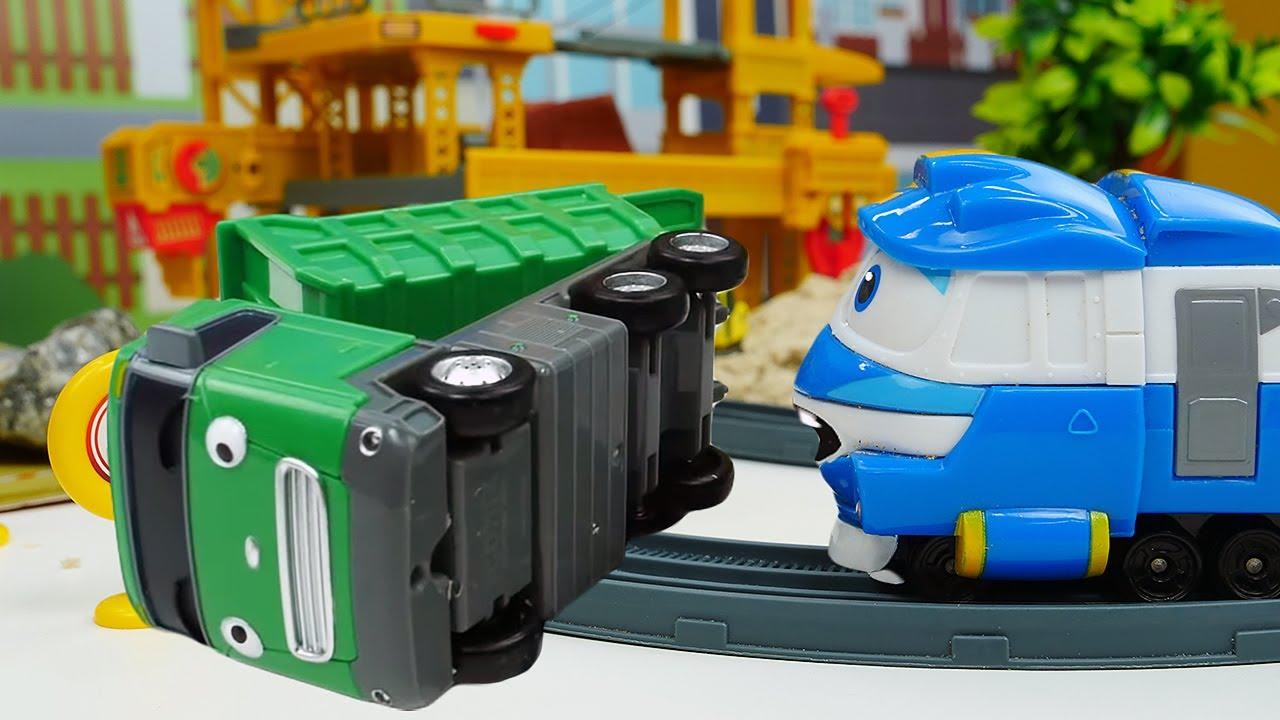 ПРО МАШИНКИ из мультфильмов Автобус Тайо - Макс упал! Робот Поезд Кей опаздывает! Время быть героем!