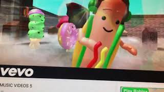 Reacting to buur roblox songs 5