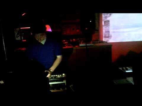 EarDr.Umz - James Brown LIVE MPC beat set  - LOFI Stop Biting Beatmakers Edition 5.17.11