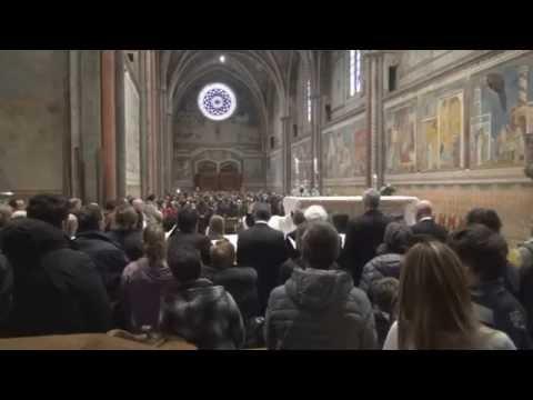 Assisi-Santa Messa di Pasqua-5 aprile 2015-Canto iniziale
