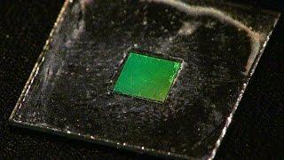 現状の微細加工技術の限界を超える!ナノインプリントリソグラフィー