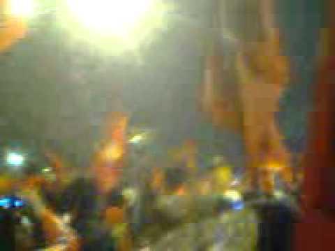 Múa Cột  - Đèn Ăn Mừng Chiến Thắng Đội Tuyển Việt Nam 2010