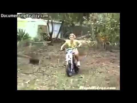 CHINASKI - Víno (oficiální videoklip) from YouTube · Duration:  3 minutes 16 seconds