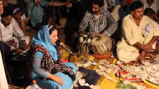 jerha akhay jhuley laal ohdhay pair chum laa live dhamal in sehwan shareef by AINEY GOHAR