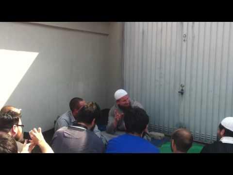 Deutscher konvertiert zum Islam! 21.04.2011