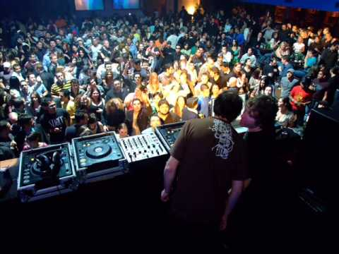 Gabriel And Dresden - (Live At Wmc Essential Mix 03-27-2005)