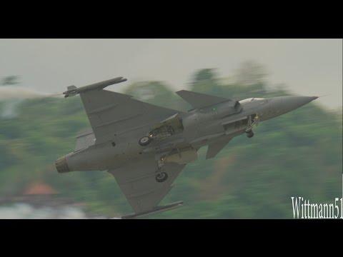 LIMA2017 Airshow Langkawi  -  Royal Thai AF Gripen Demo