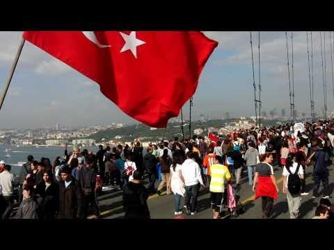 Istanbul Marathon Swaying Bosphorus Bridge