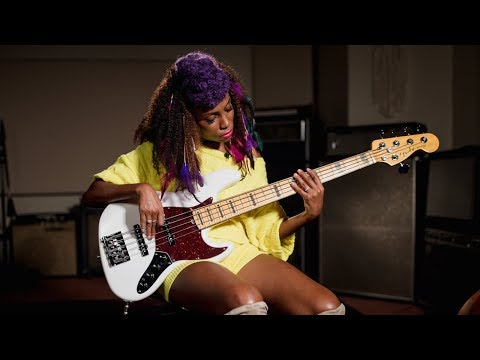 Fender American Ultra Jazz Bass V | Nik West First Impressions