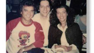 Watch Conway Twitty Shes In Love video