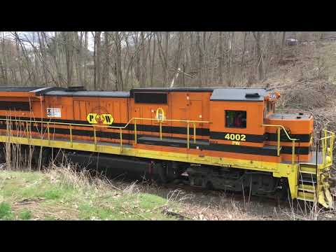Providence & Worcester pulling mixed freight through Middletown, CT (both sides)