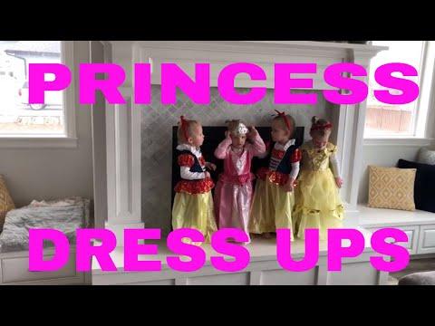 QUADRUPLETS PLAY DISNEY PRINCESS DRESS UP