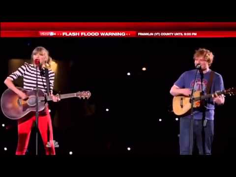 Taylor Swift - Everything Has Changed ft  Ed Sheeran (Live @ Macy's 4th of July)
