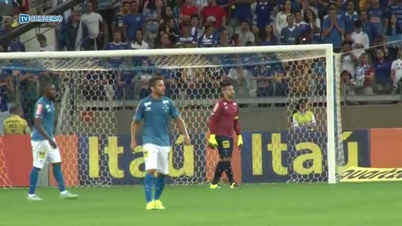 acbd991419415 Cruzeiro empata com Avaí na estréia do novo uniforme 3 - YouTube