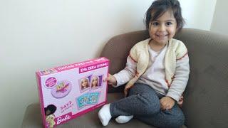 Ayşe Ebrarın Yeni Oyuncağı. Barbie li Zeka Oyunu.