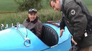 moteur CX honda sur cycle-car Anglais .mp4