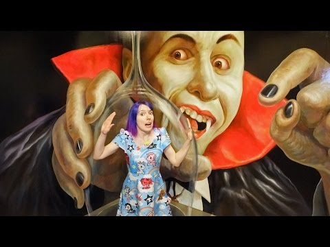 Trapped by a Vampire?! Trick Art Museum, Odaiba - Tokyo vlog