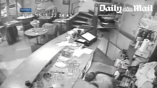 Обнародовано видео расстрела посетителей парижского ресторана