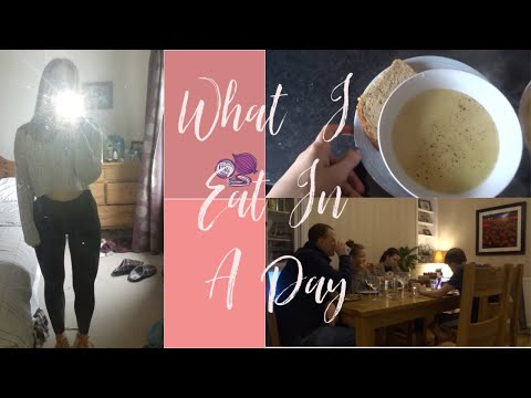 what-i-eat-in-a-day:-basically-just-8-minutes-of-family-shenanigans