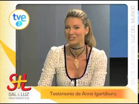 Anne Igartiburu, una mujer creyente