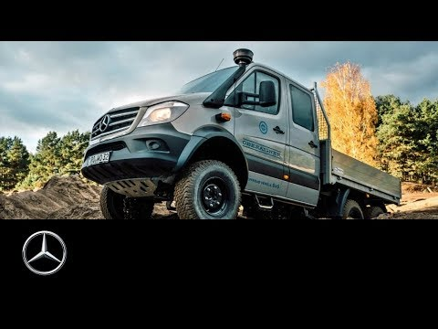 Unimog vs. Sprinter 6x6 – offroad-battle of the giants