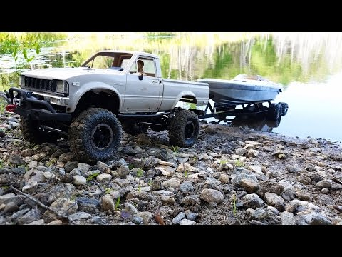 RC Boat Launch! 4x4 RC Truck With Boat Trailer In 4k! Axial SCX10 4x4 And Traxxas Boat RCFRENZY