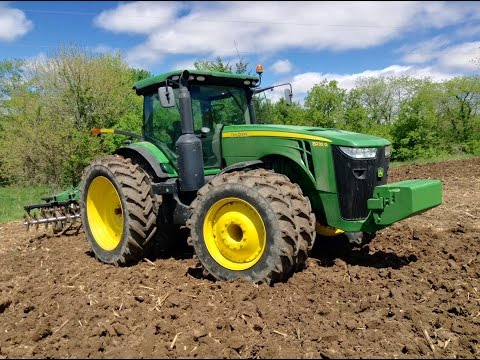 How to Operate a Tractor - John Deere 8235R