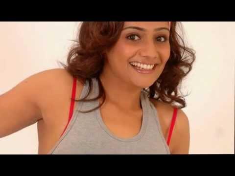 Meera Vasudevan Hot Belly And Navel Exposed