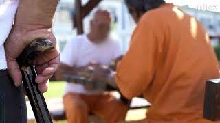 """""""לא הייתי רוצה למות פה"""": תיעוד נדיר של אגף הקשישים בכלא מעשיהו"""
