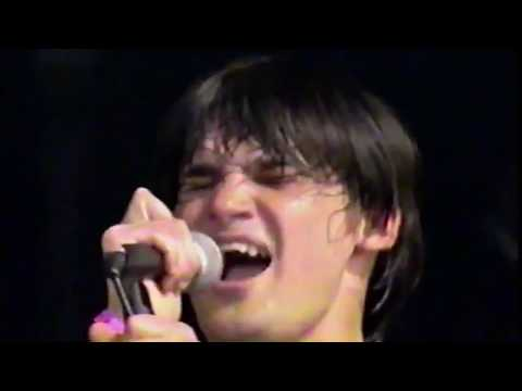 Trail of dead live at Reading Festival 2001