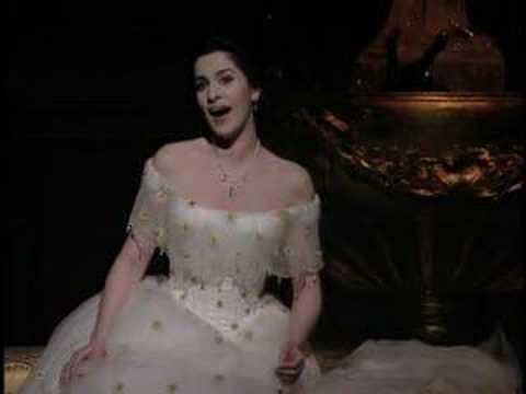 La Traviata - Atto 1 - E' strano!... Ah, fors'e lui