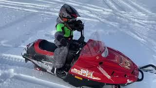 Детский снегоход Тайга РМ Рысь закопался. Готовимся к соревнованиям и просто катаемся.