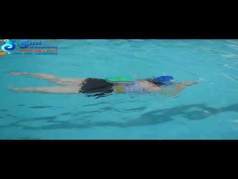 Học cách chuyển từ đứng nước qua bơi ếch