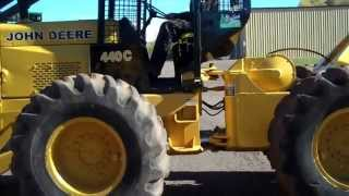 John Deere 440C - video 1 of 2