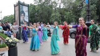 Download Индийский флешмоб- Студия Санджая, Indian Flashmob Mp3 and Videos