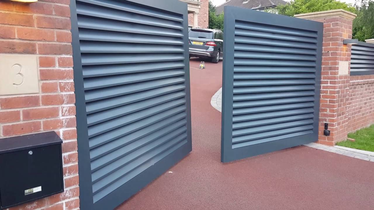 Tigweld4u Sloped Up Hill Drive Gate With Rising Hinges