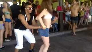 Roynet perez gonzalez dances salsa cubana social dance - Barrio Malo - Manana