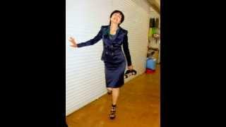 Деловой костюм:юбка,пиджак и блузка.www.modnicam.com.ua(Этот строгий деловой костюм состоит из юбки,шифоновой блузки и пиджака. Р-ры 44-56,цена 850 гр.Из любой женщины..., 2014-06-19T08:06:51.000Z)