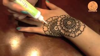 le henna pour la belle fille