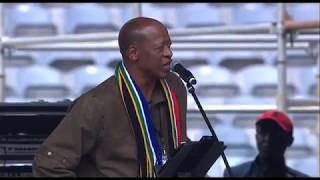 Mzwakhe Mbuli pays a moving tribute to Mama Winnie