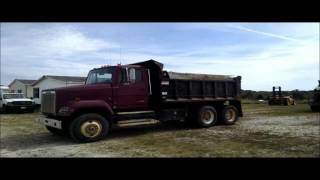 1990 Freightliner FLC1124T dump truck for sale | sold at auction October 22, 2015