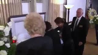 K.T. Oslin (Kay Toinette Oslin) Funeral Service - Open Casket [HD]